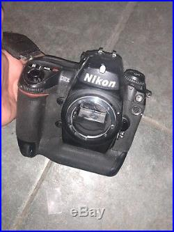 Nikon D2X Digital Camera Body Only FOR PARTS OR REPAIR AS IS SEE PICTURES