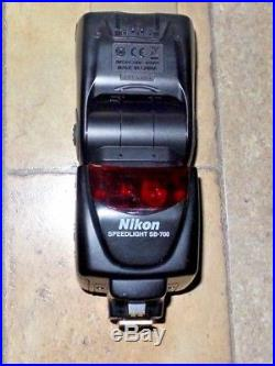 Nikon SB-700 Speedlight Shoe Mount Flash with Accessories for Parts or Repair